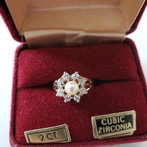 VINTAGE  ☆ Pearl & CZ Ring, Size 9. GORGEOUS!